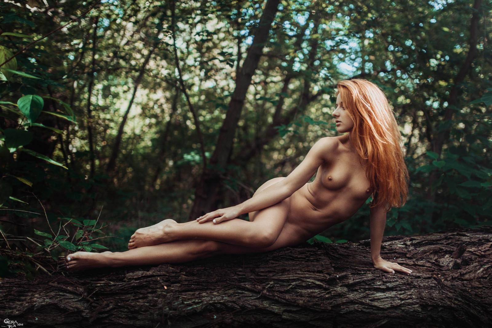 dana-pine-nude-busty-redhead-moms