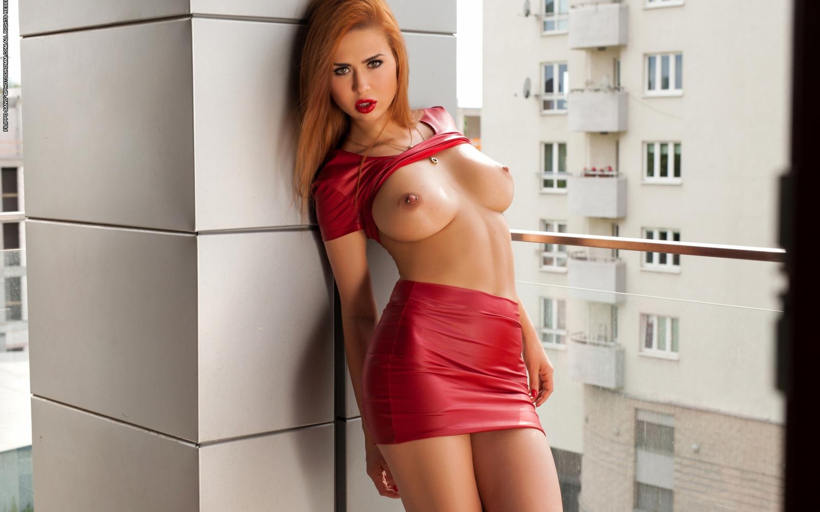 фото голые красавицы в красном что слабыми