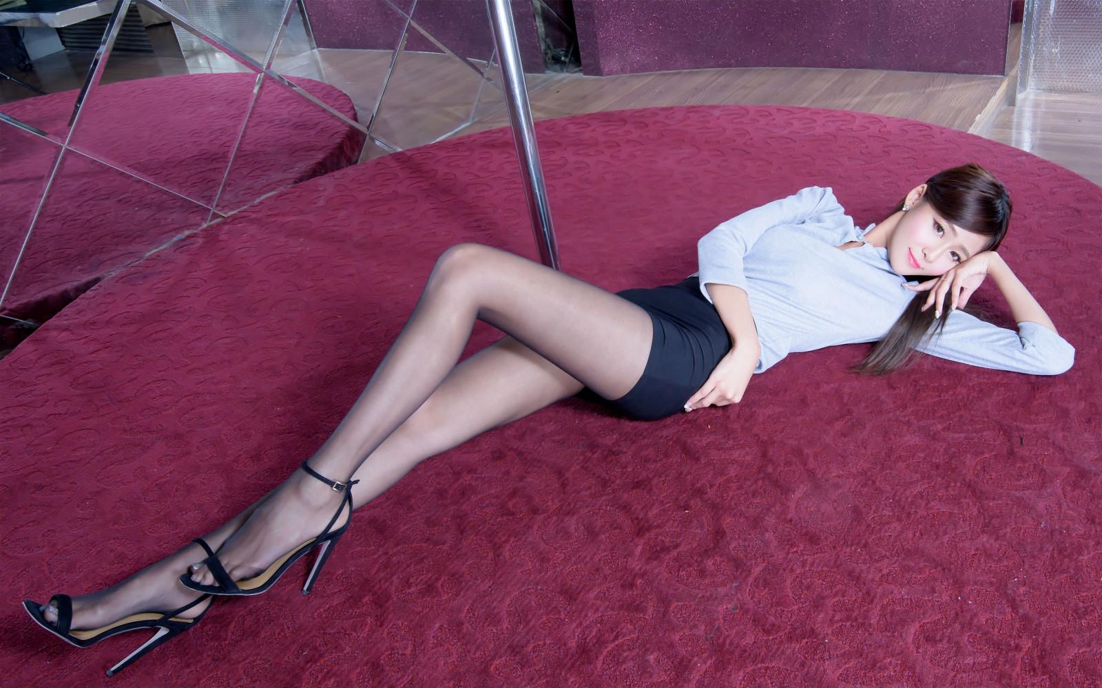 Selena gomez naked shemale