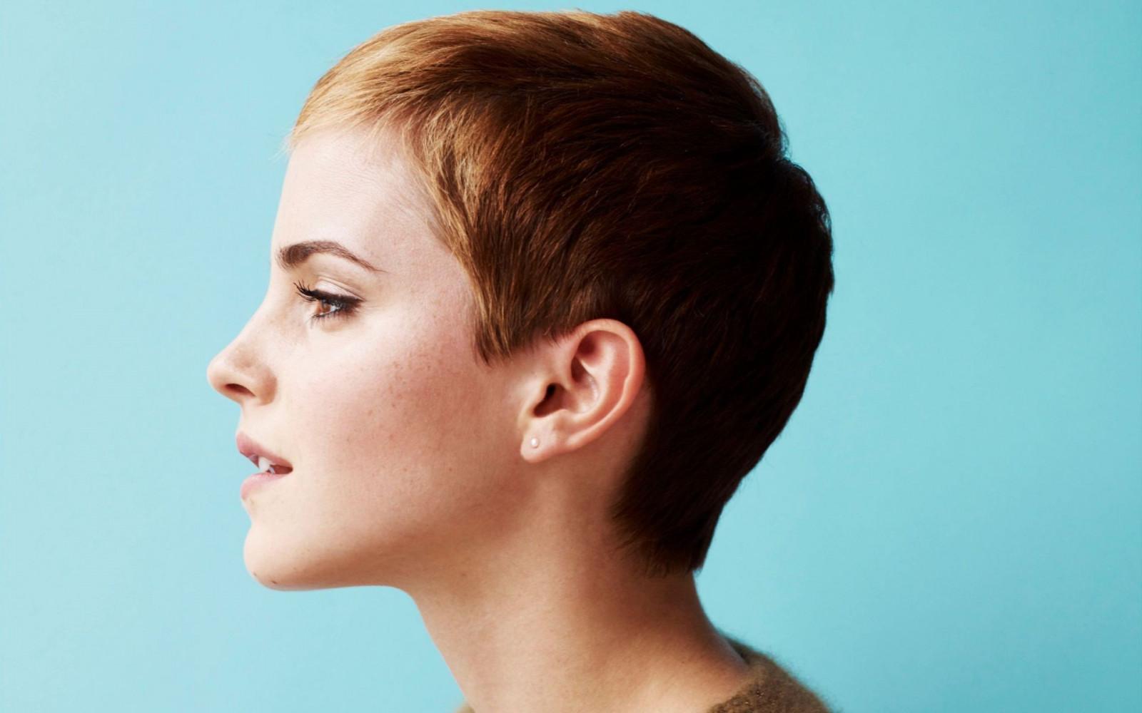 Прически женские короткие у ушей