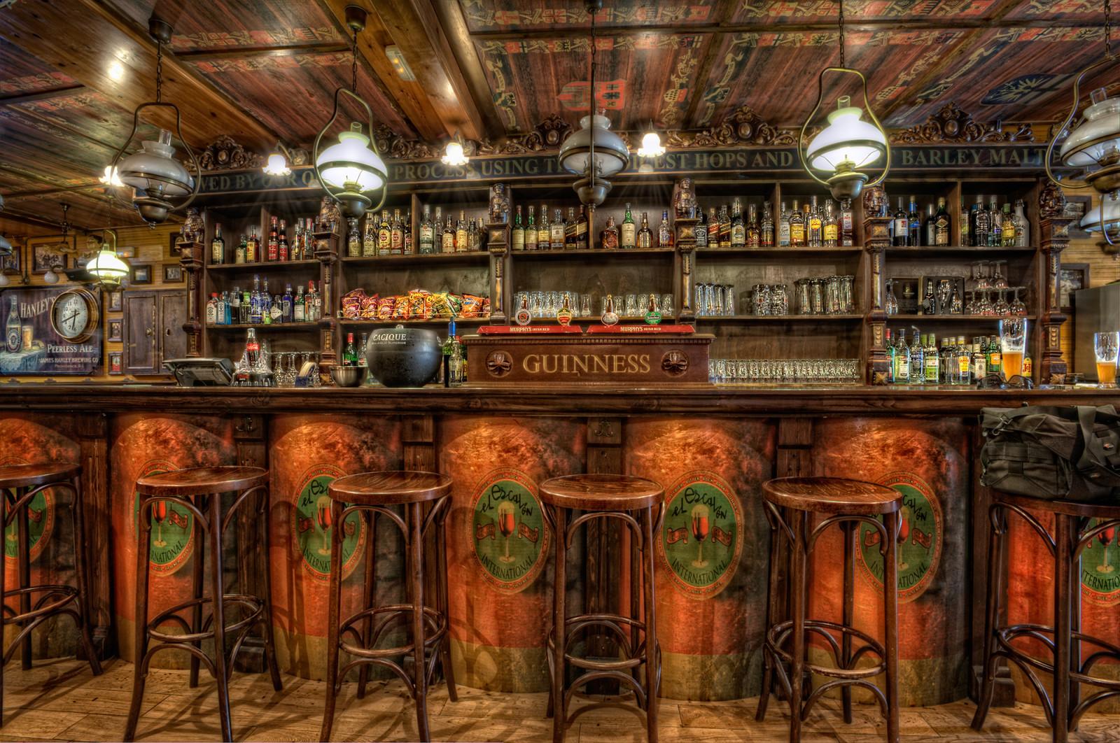 Wallpaper : bar, tavern, pub, liquor store 2000x1328 ...