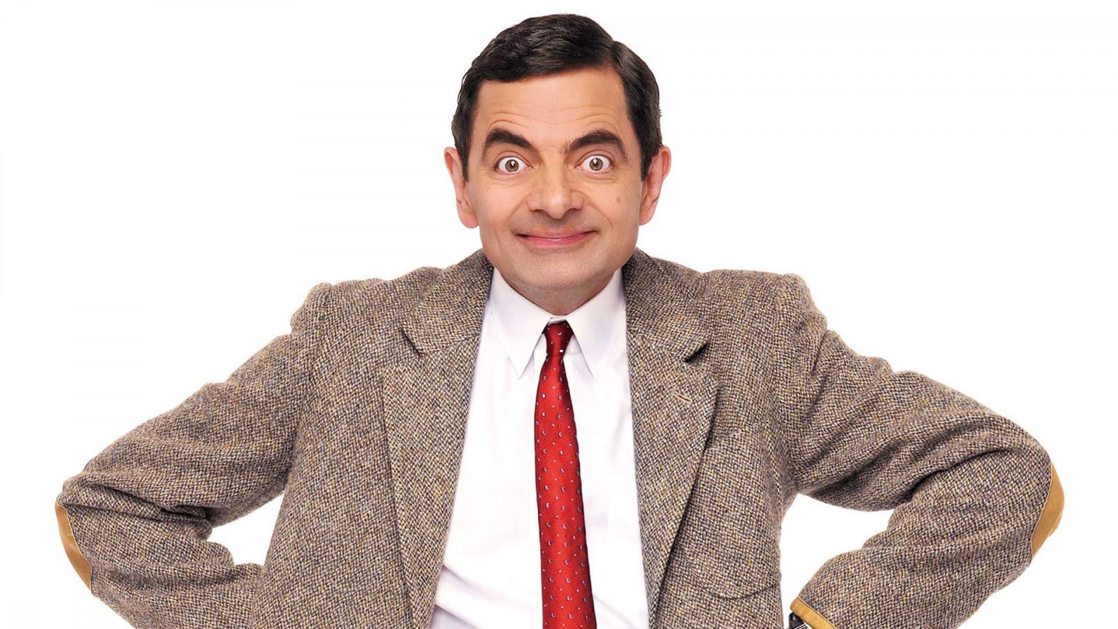 men_actor_Rowan_Atkinson_Mr_Bean_smiling