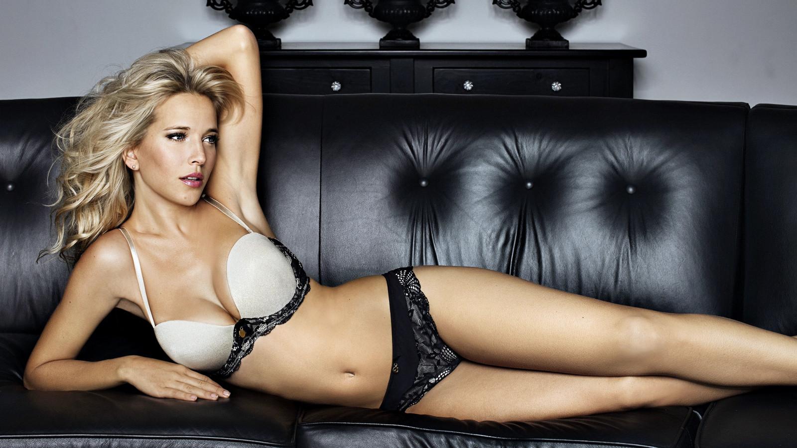 Блондинки голливуда в нижнем кружевном видео, топ порно актрис азиатки