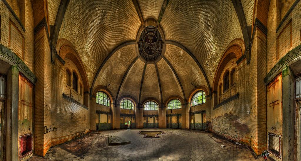 Wallpaper  Bear, Urban, House, Man, Berlin, Male, Men, Art, Texture, Abandoned -9539