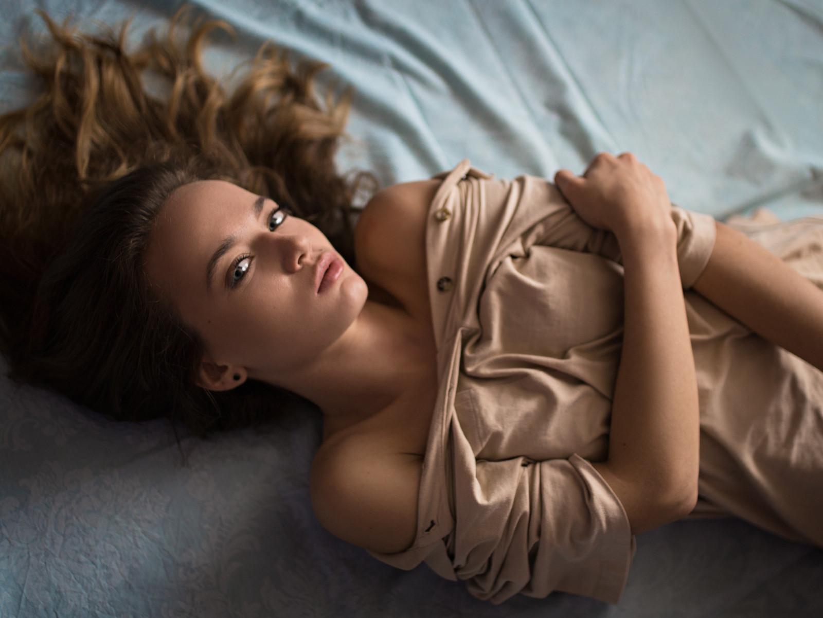 оценивайте, делитесь мокрые девушки на кровати мастурбация является спонтанной