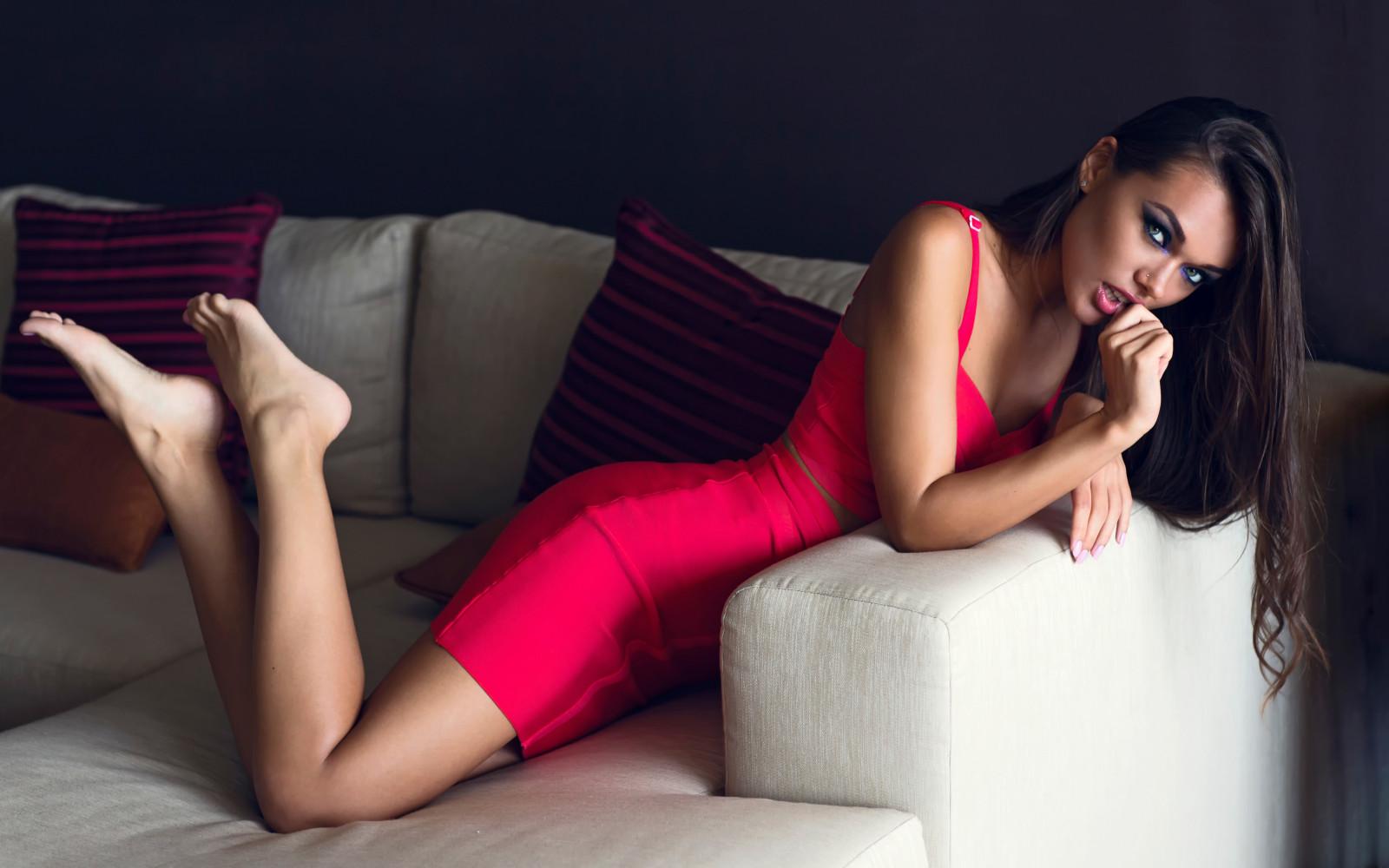 Накаченная девки красивые ножки видео порно
