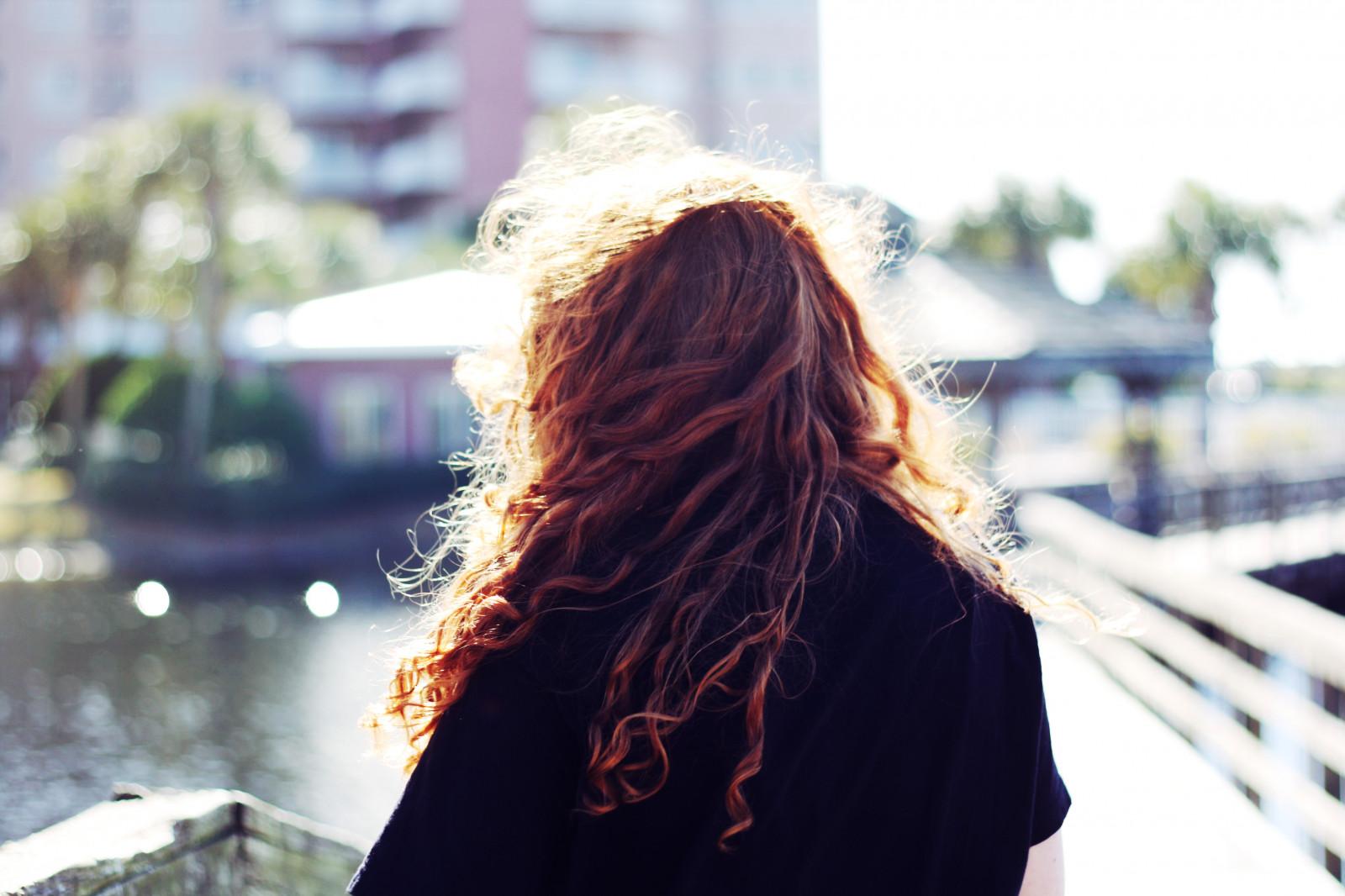 рыжеволосые женщины фото со спины - 11