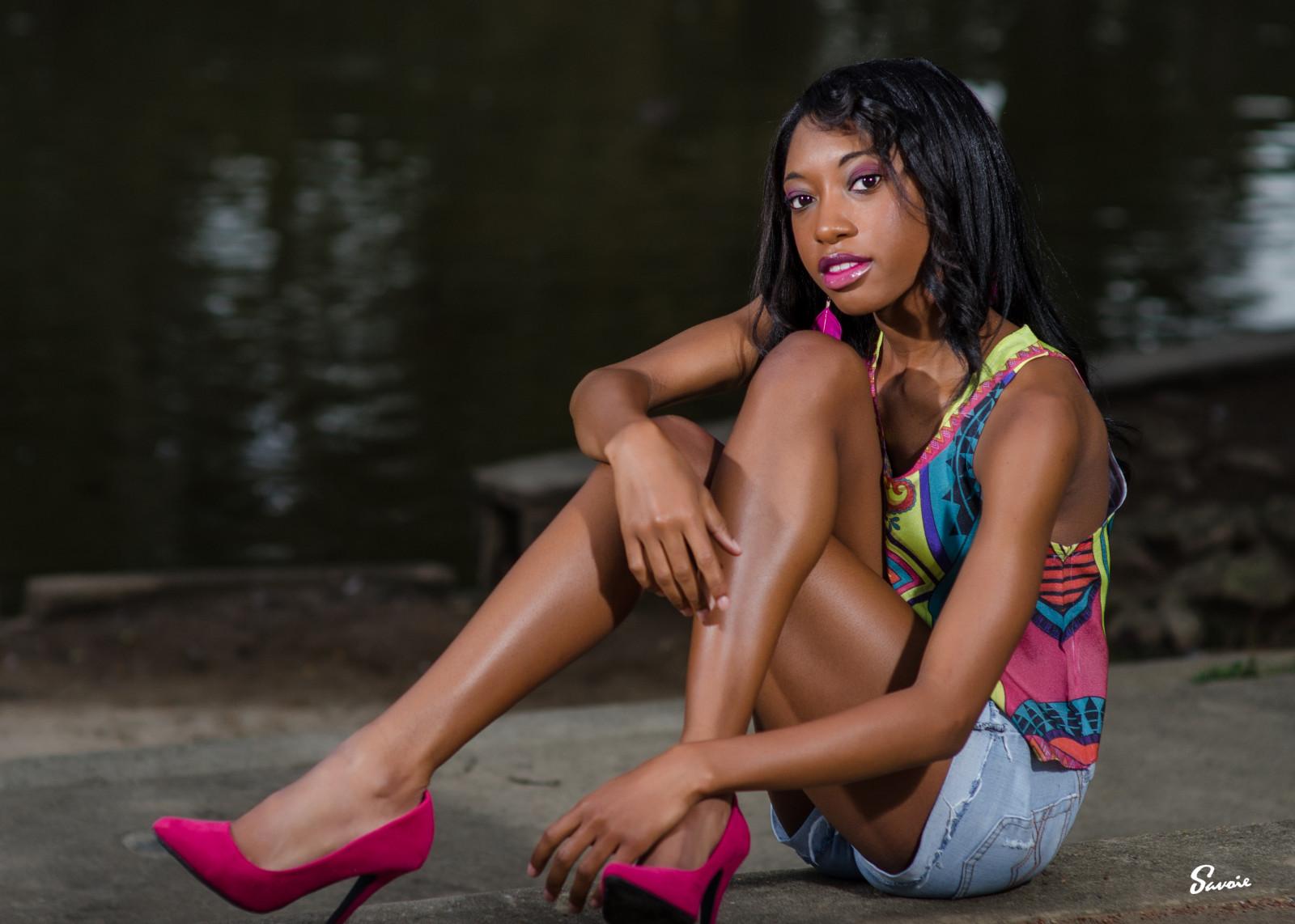 ebony-girl-leg-gallery