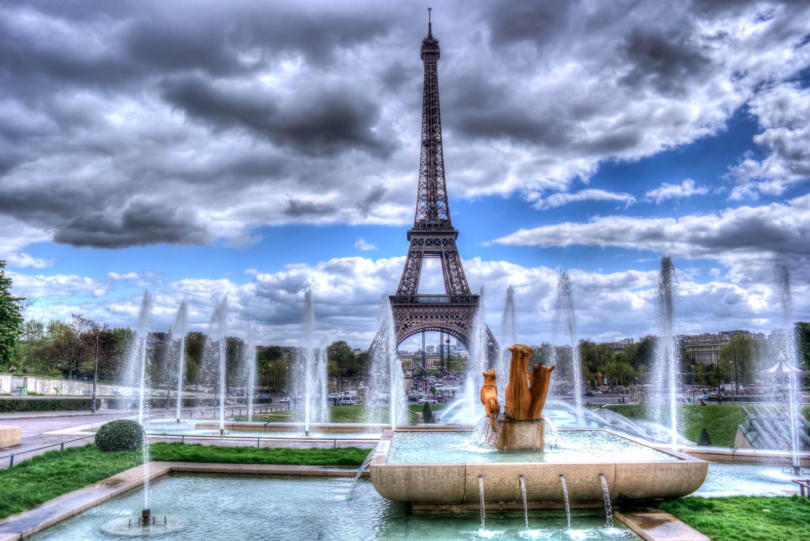 картинка эйфелева башня с фонтанами могут