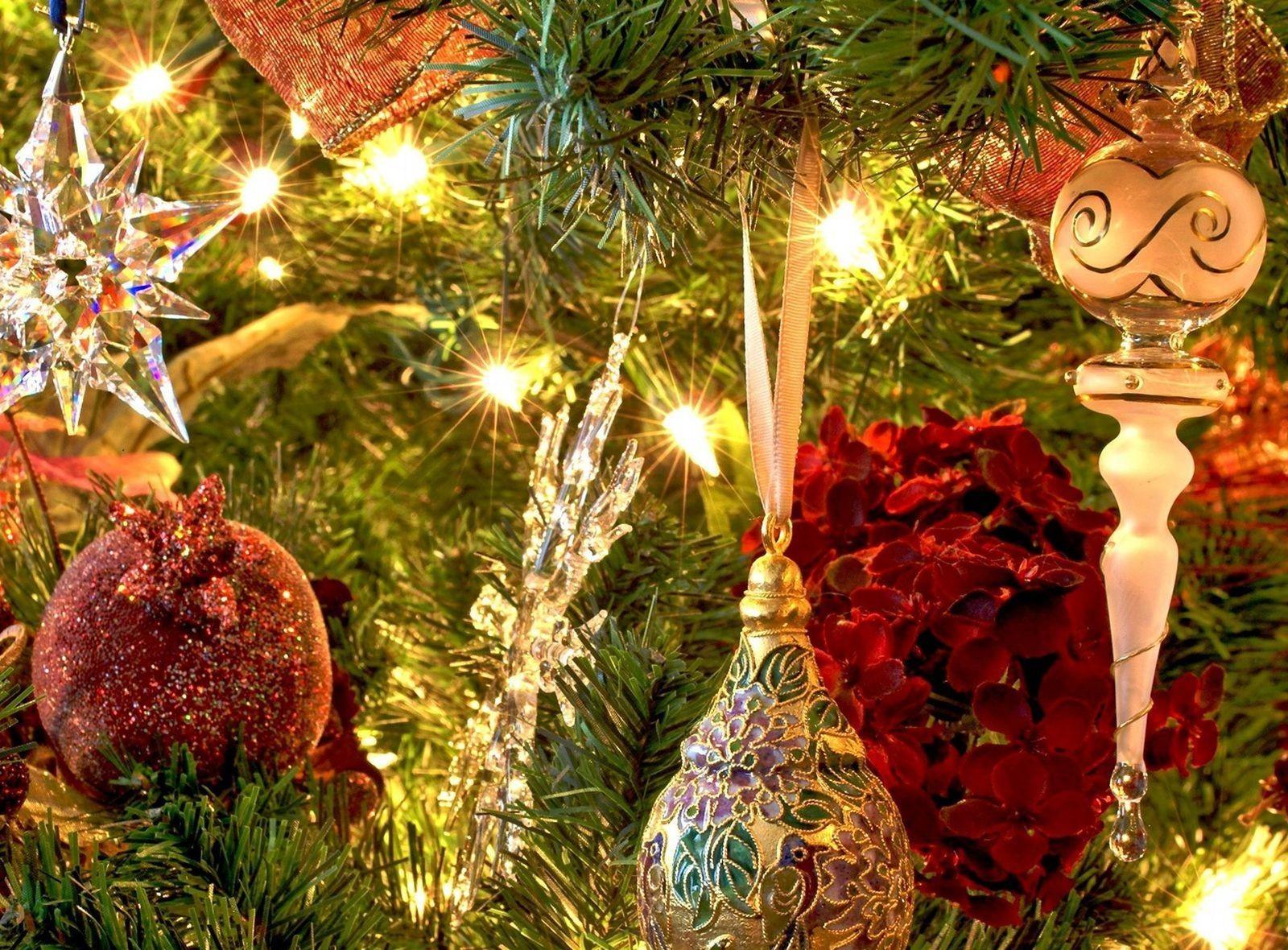 красивые картинки новогодние елки и игрушки хотела