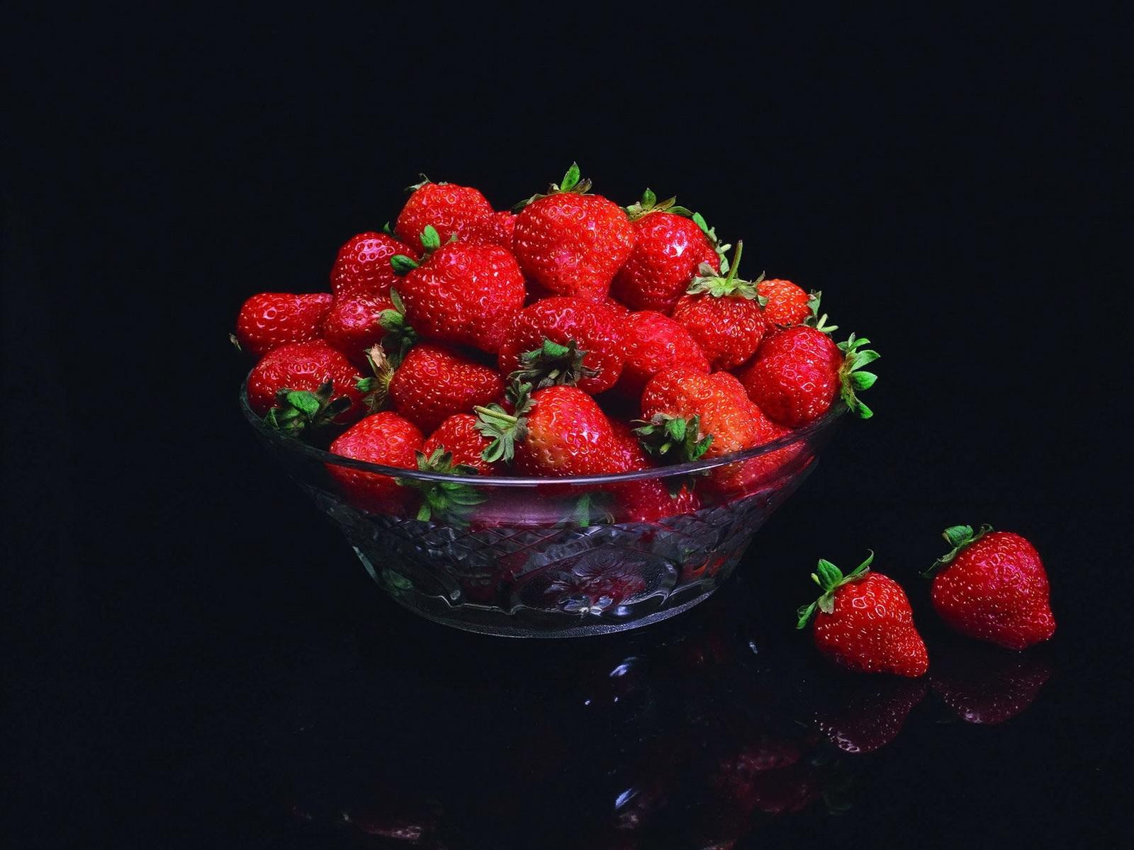 Food Red Fruit Strawberries Glass Flower Plant Berry Bowl Strawberry Raspberry Petal Produce Frutti Di Bosco