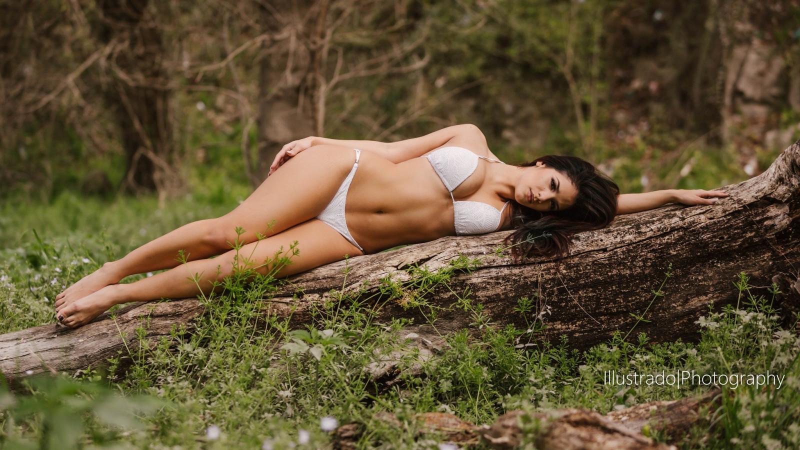 Фото фигур девушек на природе