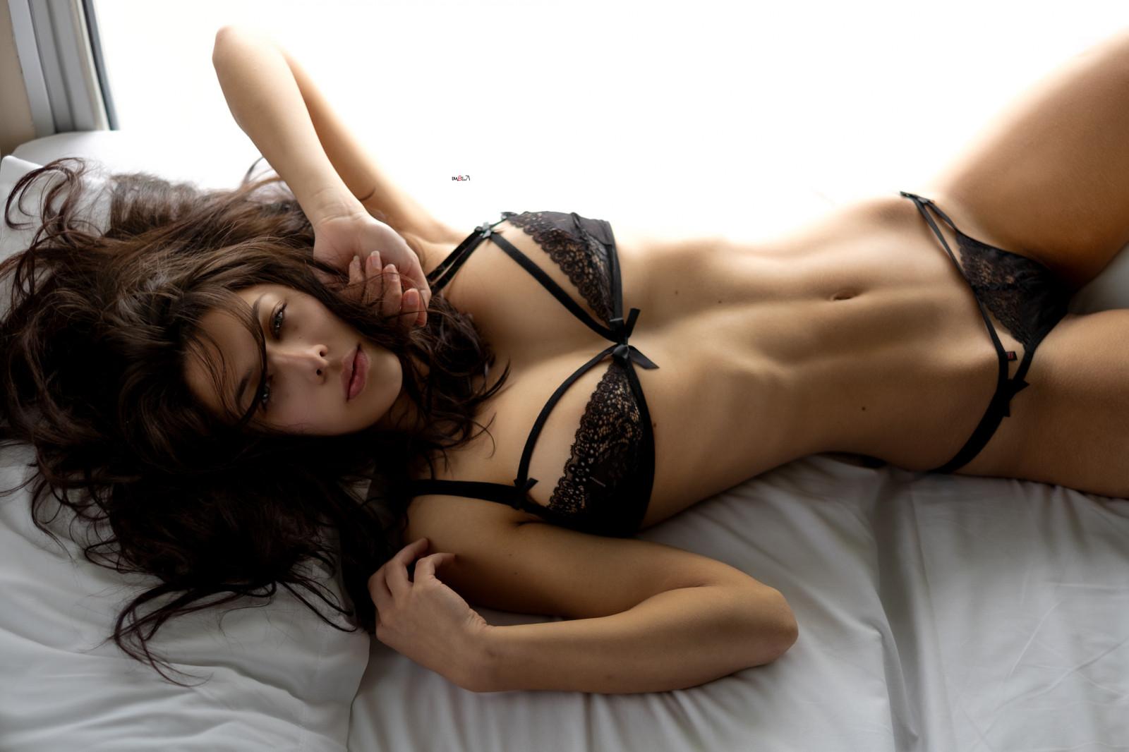 Красивое нижнее белье снимает красиво девушка посмотреть видео хорошего качества