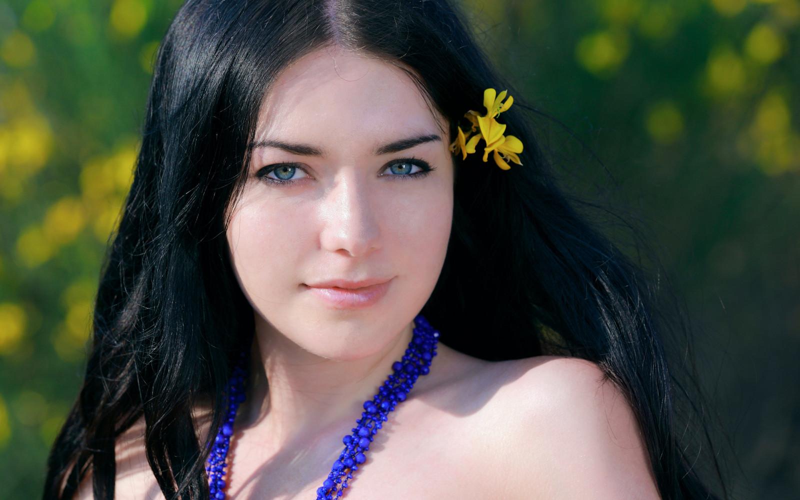 Wallpaper Face Women Model Long Hair Blue Eyes: Wallpaper : Face, Women Outdoors, Model, Long Hair