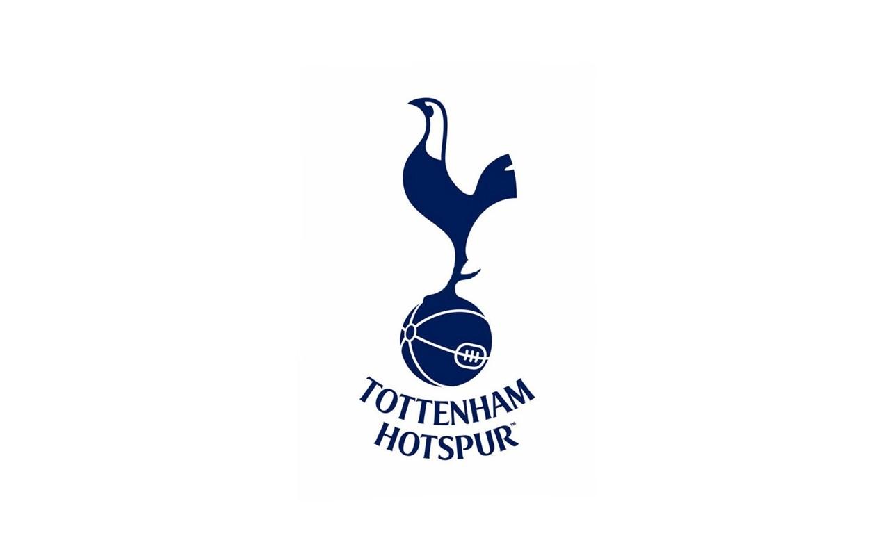13f4a17c0e7a1 tričko minimalismus text logo značka ostruhy Tottenham Hotspur font produkt