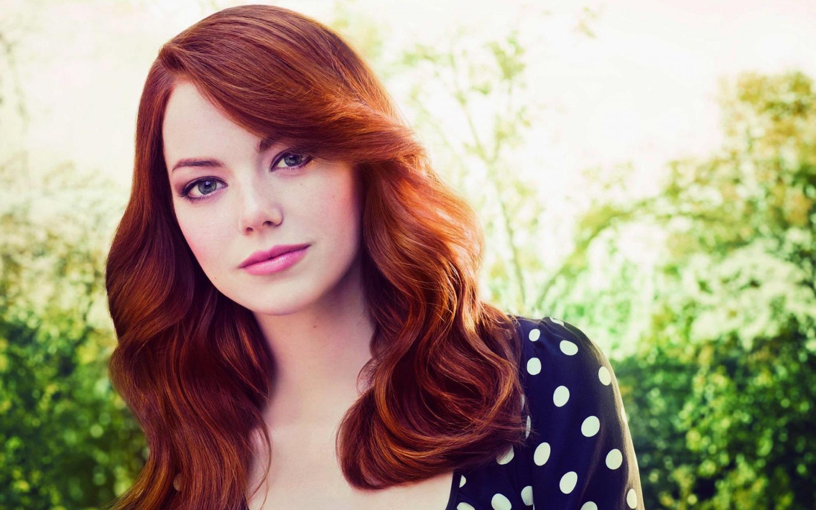 kamerat nainen punaiset hiukset