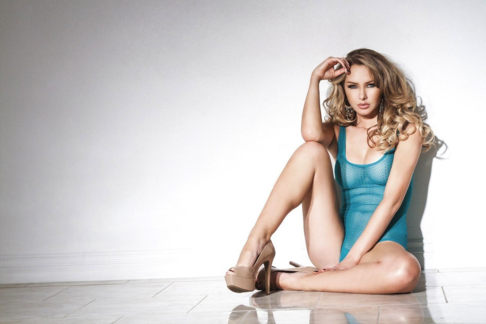 Womens Naked Feet Adapt Knit Slip-On Sneaker - Editorialist