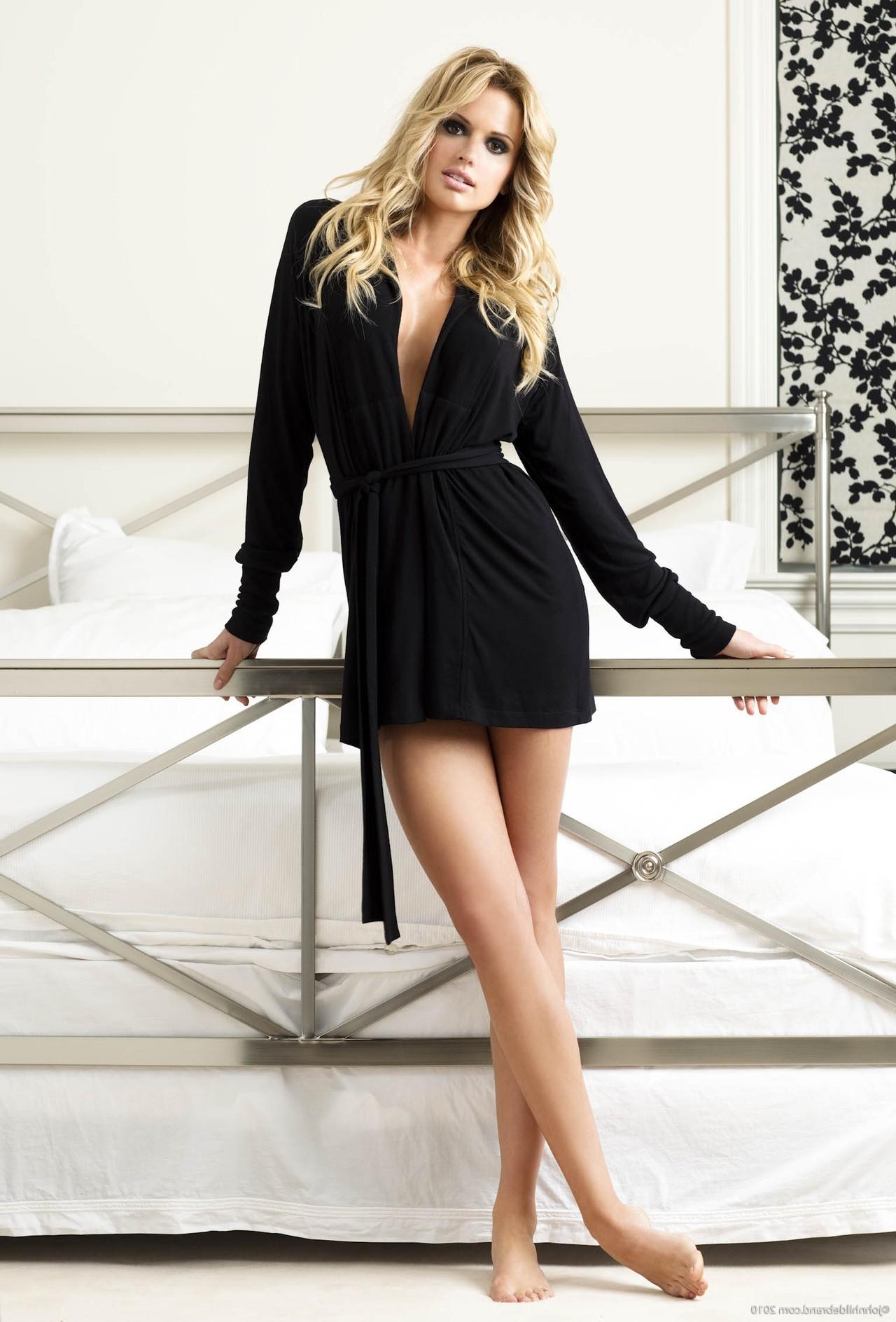 Hintergrundbilder : Modell-, blond, lange Haare, Mode, Minirock ...