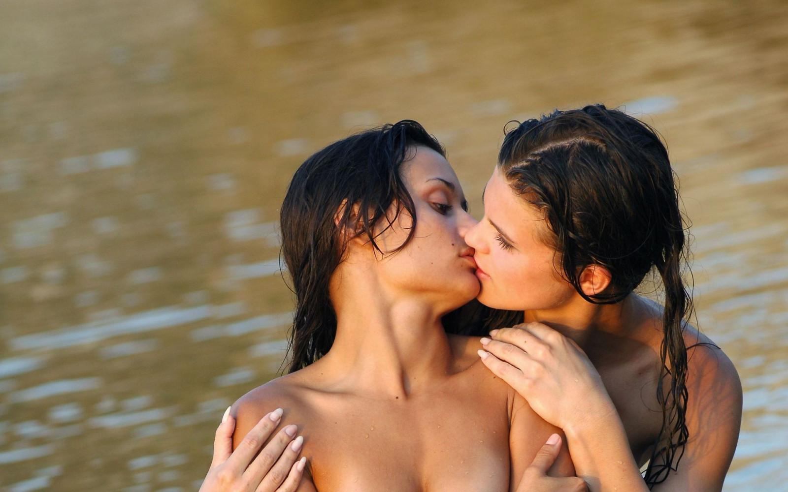 Hot Lesbian Photos