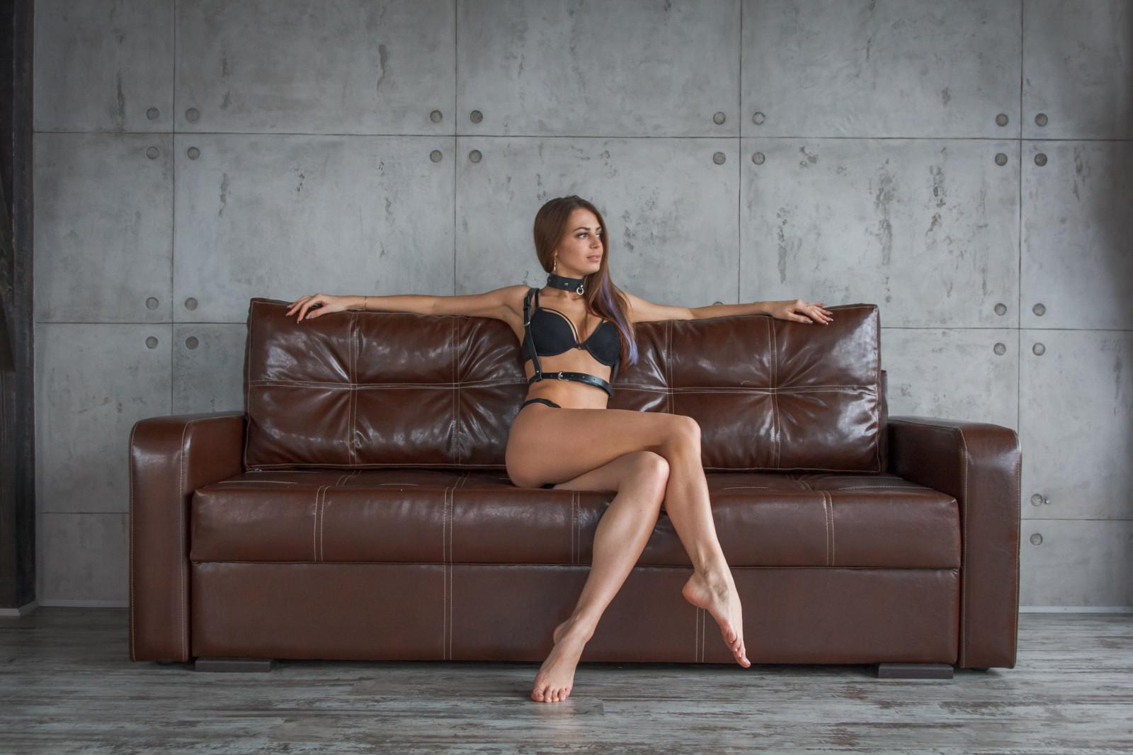 босиком на диване фото большого разрешения - 11