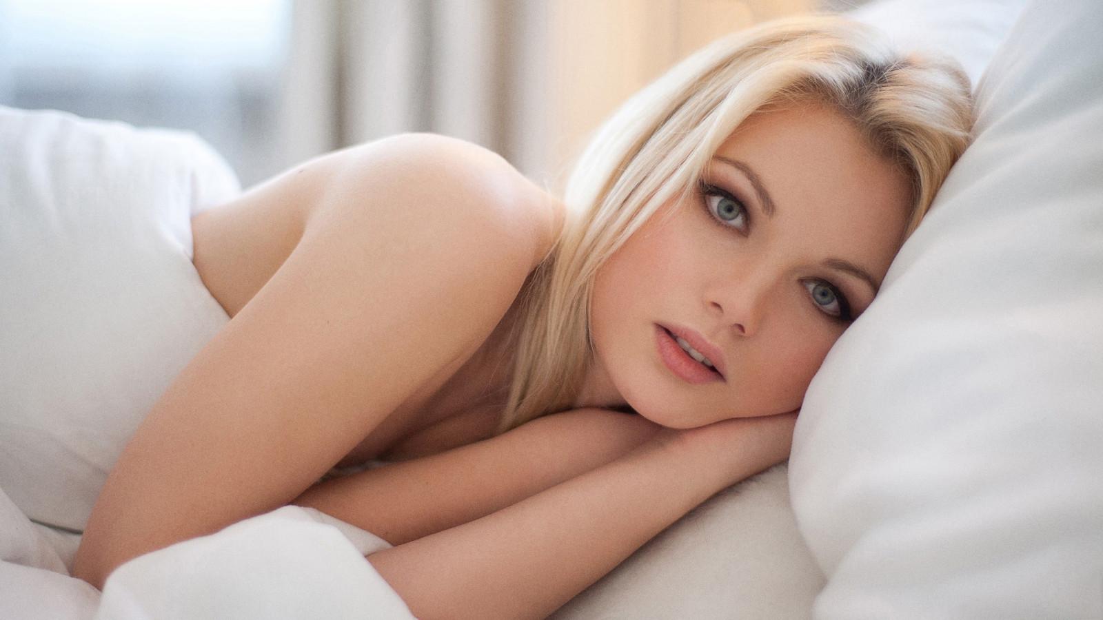 golaya-porno-foto-blondinok