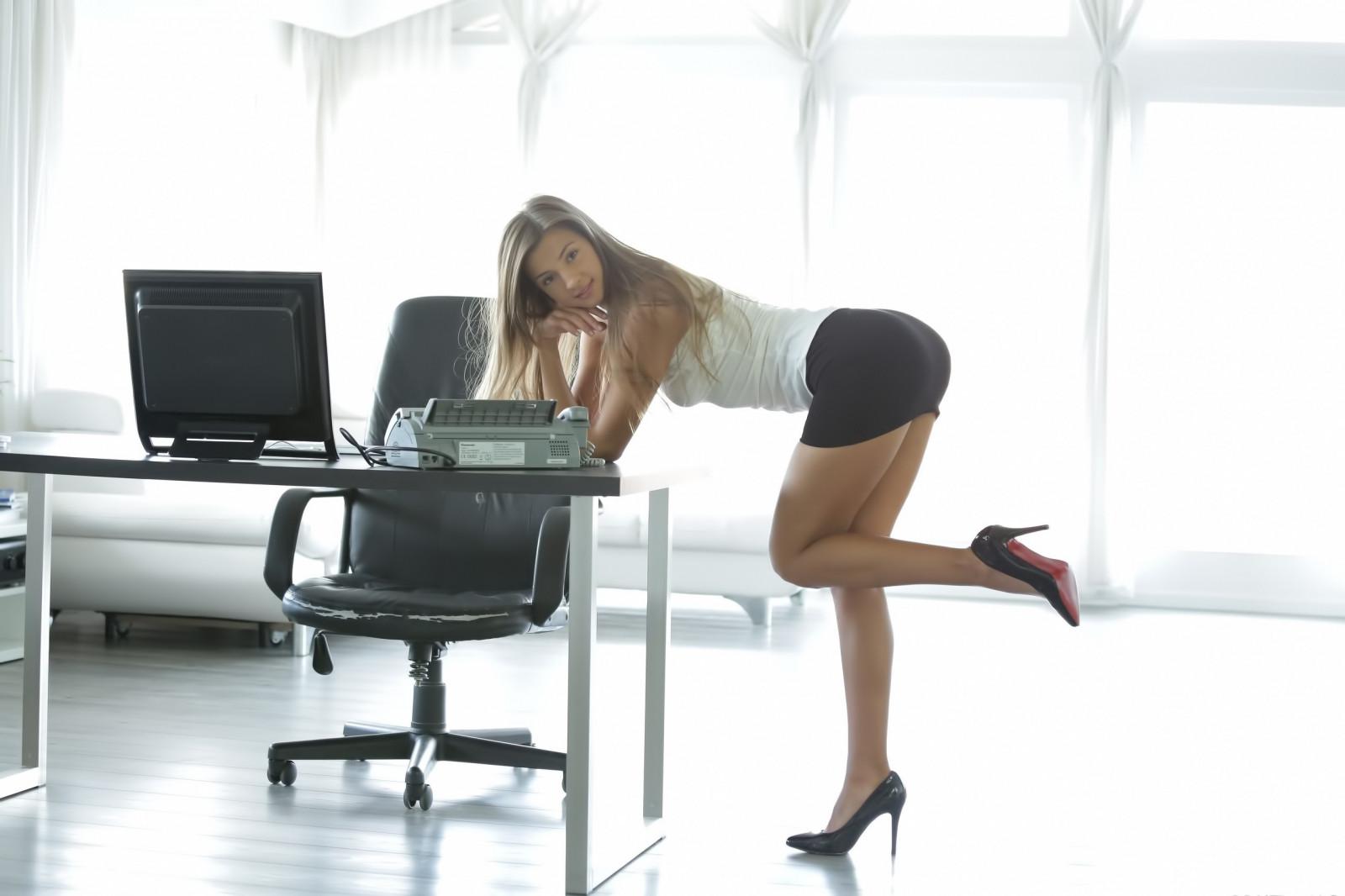 известно, самыми красивые телки в офисе откажите себе