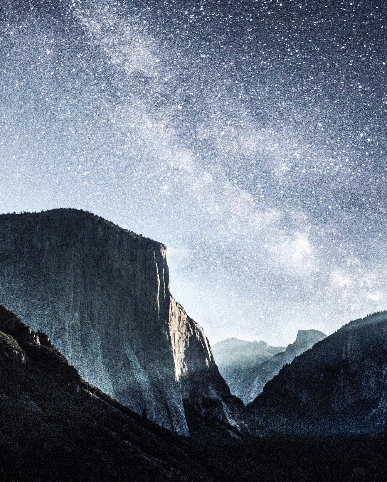 岩山と満天の天の川