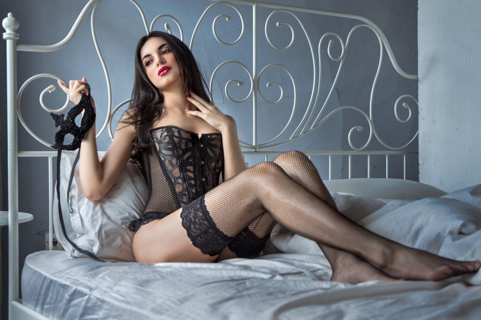 seksualnaya-bryunetka-fotoset