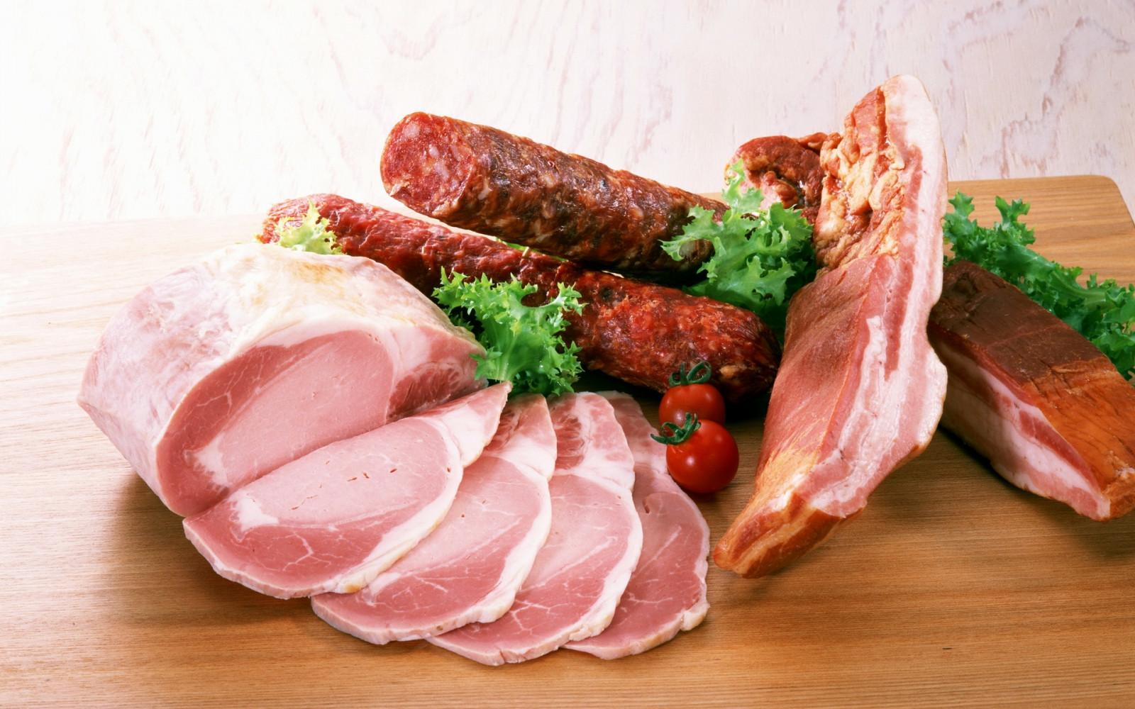 Приготовление колбас и мяса в домашних условиях