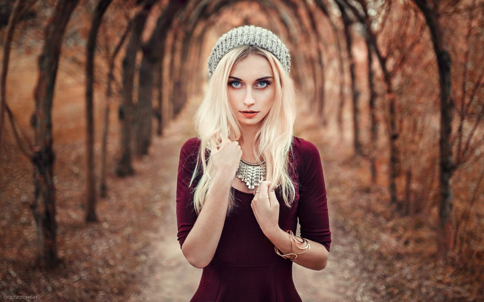 Wallpaper Face Women Model Blonde Long Hair Blue: Wallpaper : Face, Women Outdoors, Model, Depth Of Field