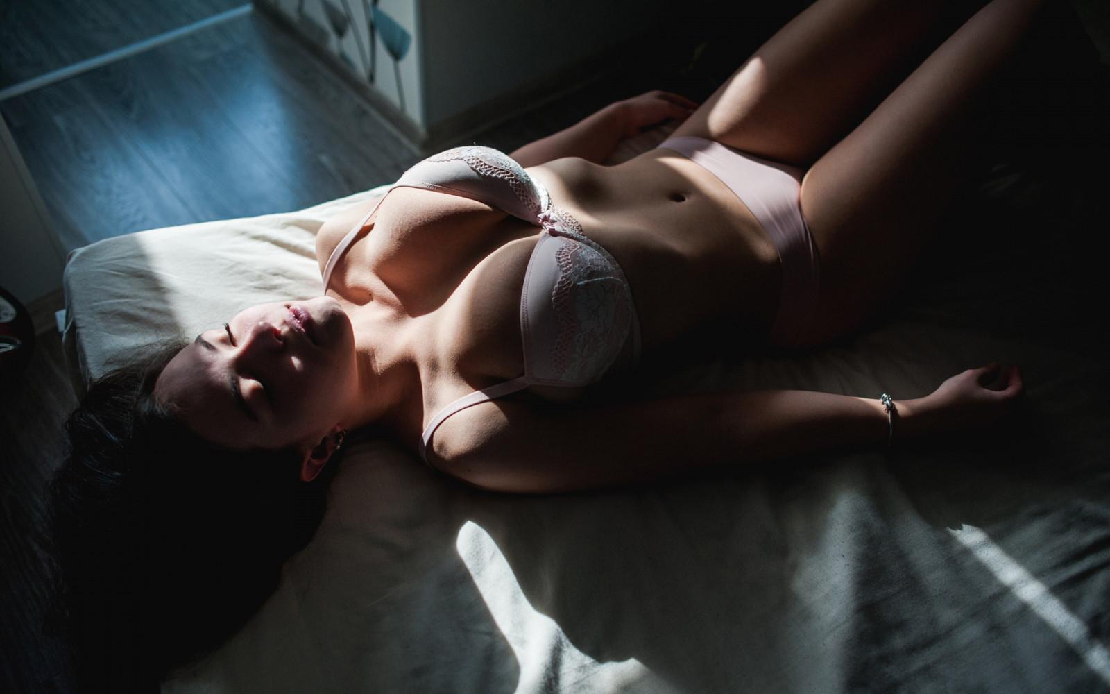 Раздолбанное очко сногсшибательной Veronica Avluv