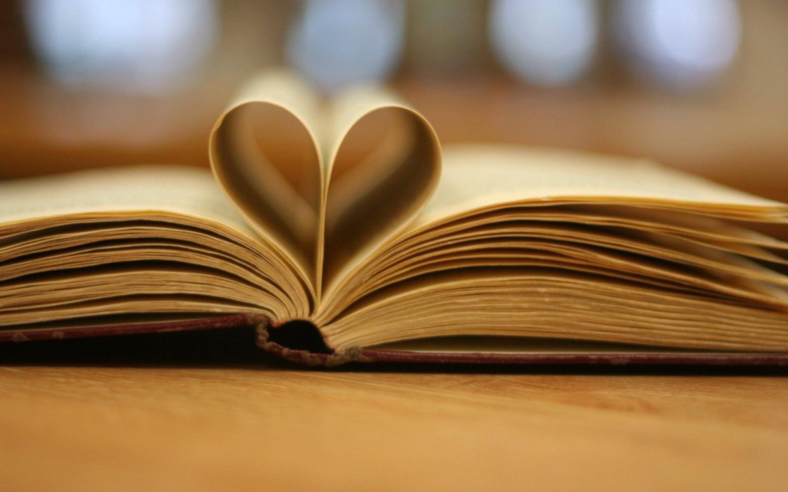 книги красивые фотографии группе