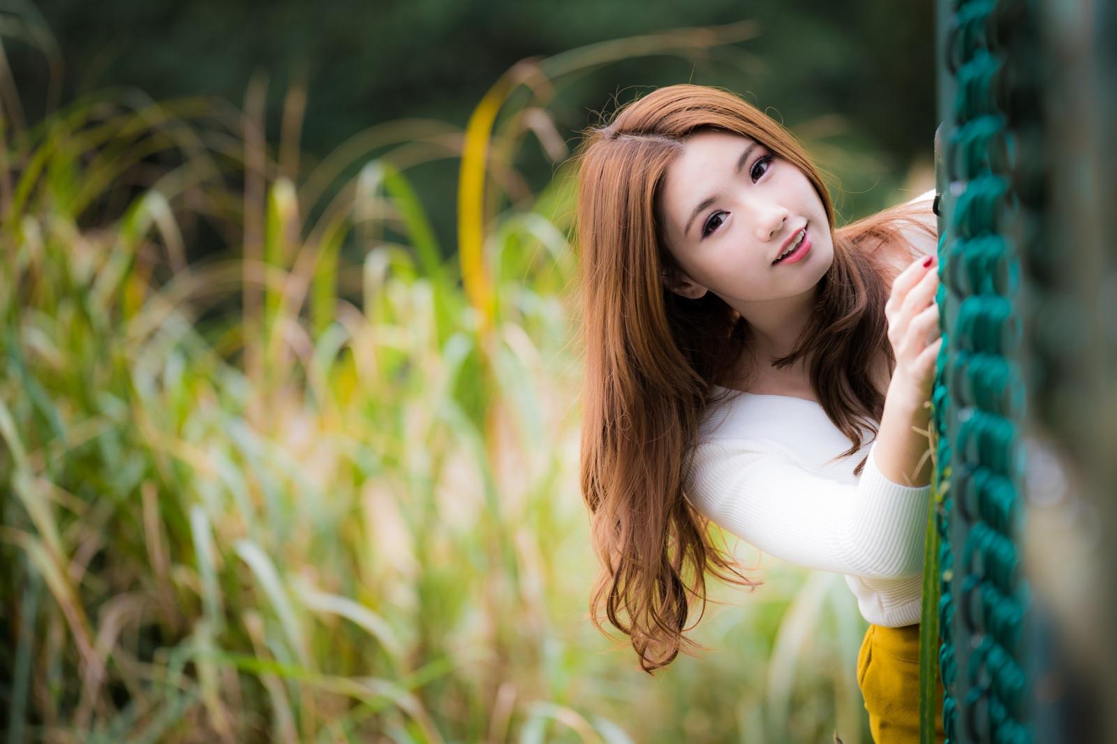 Fondos de pantalla : mujer, modelo, rubia, Mirando al espectador, fotografía, vestir, amarillo