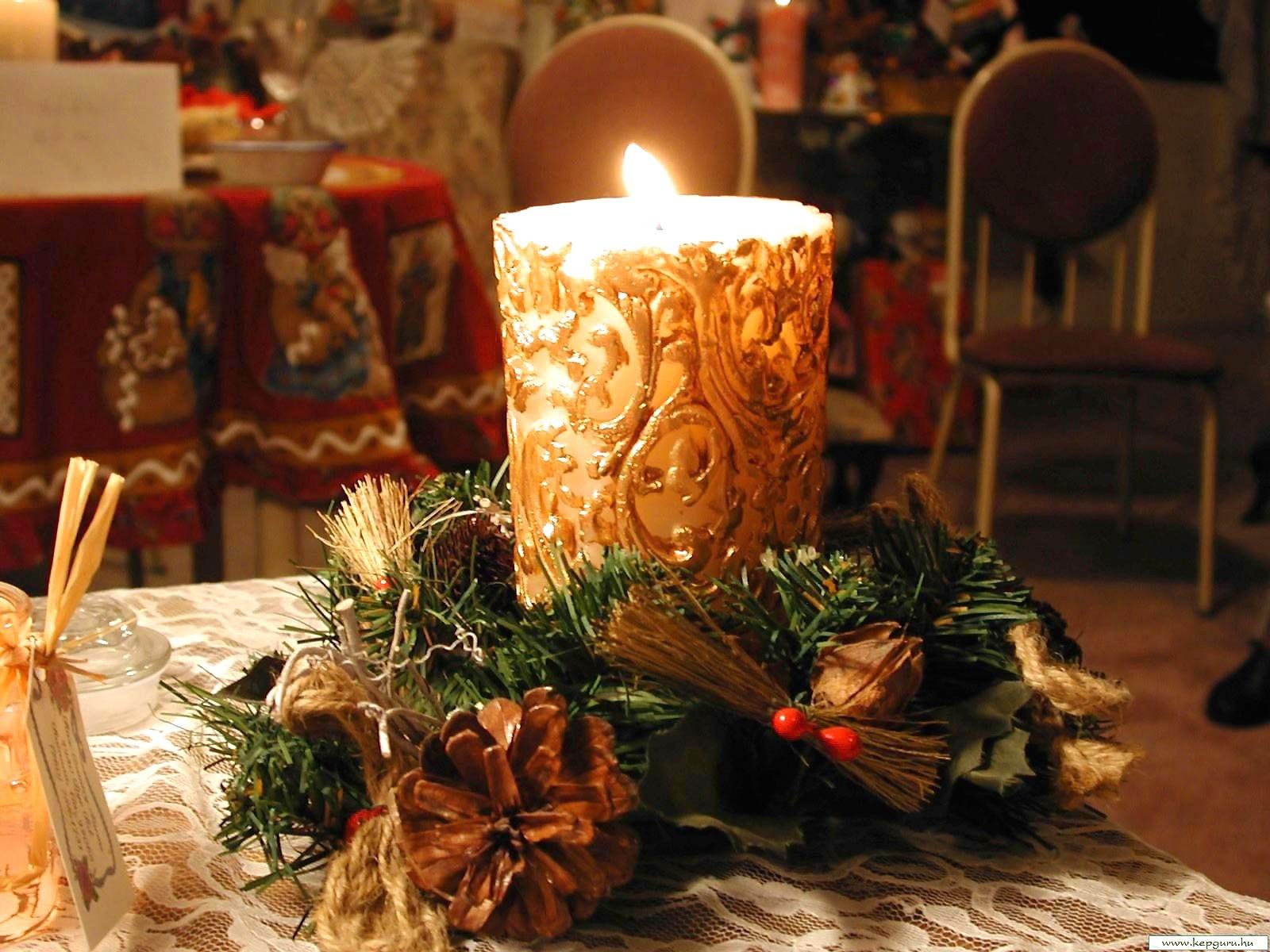 Свечи на новогодних открытках