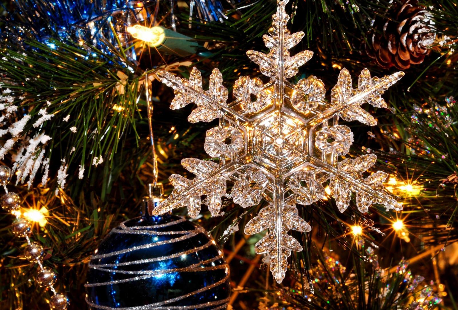 красивые картинки снежинок к новому году интересного