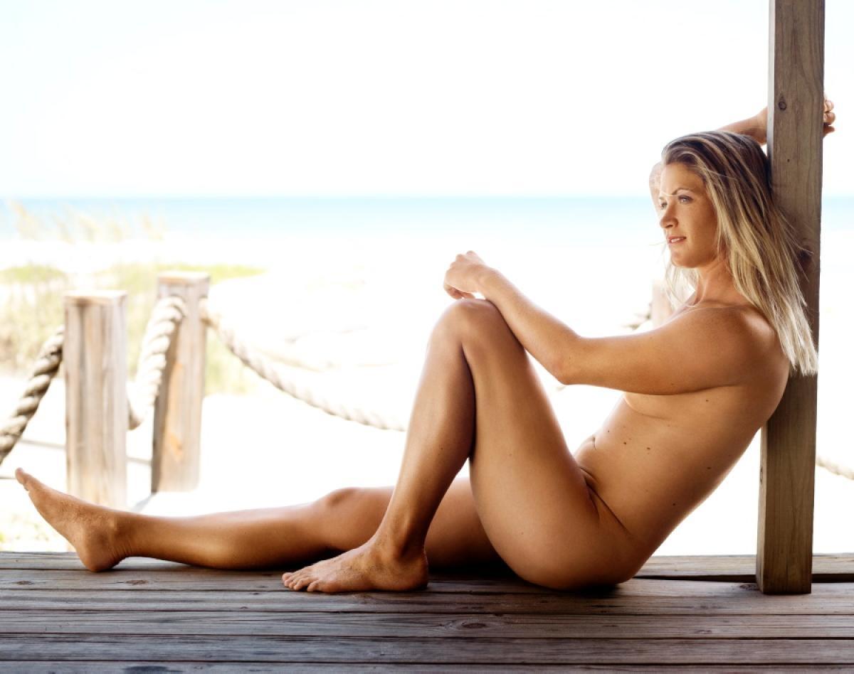 Nude sun tan models — img 5
