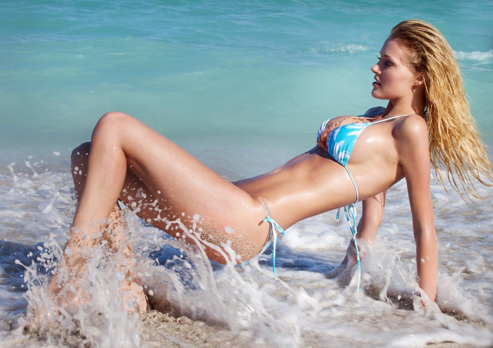 Barrino nude bikini in in photo women beach girls man die