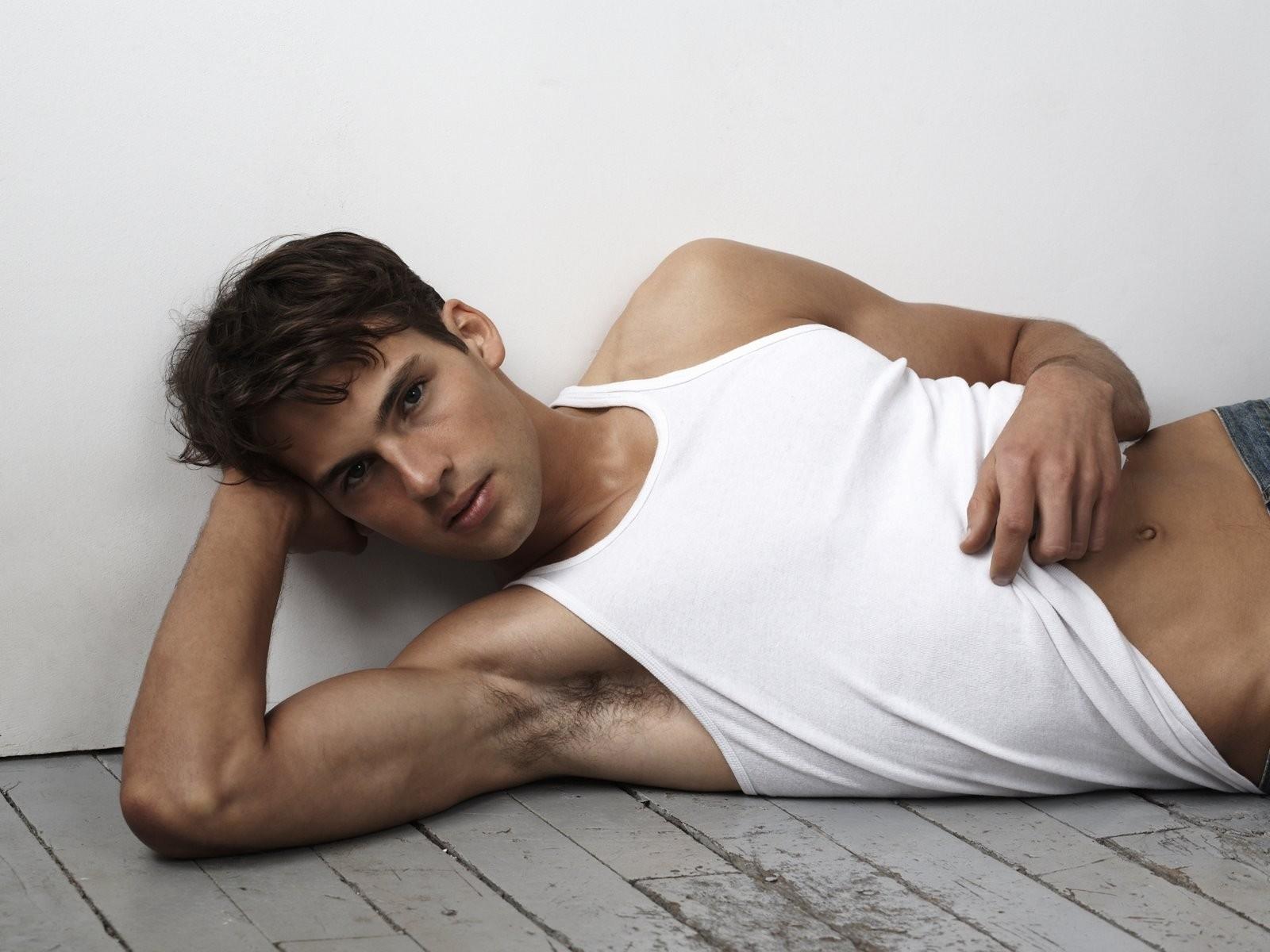 Wallpaper  Model, T Shirt, Joint, Girl, Beauty, Man, Body, Muscle, Neck, Arm, Lying -9623
