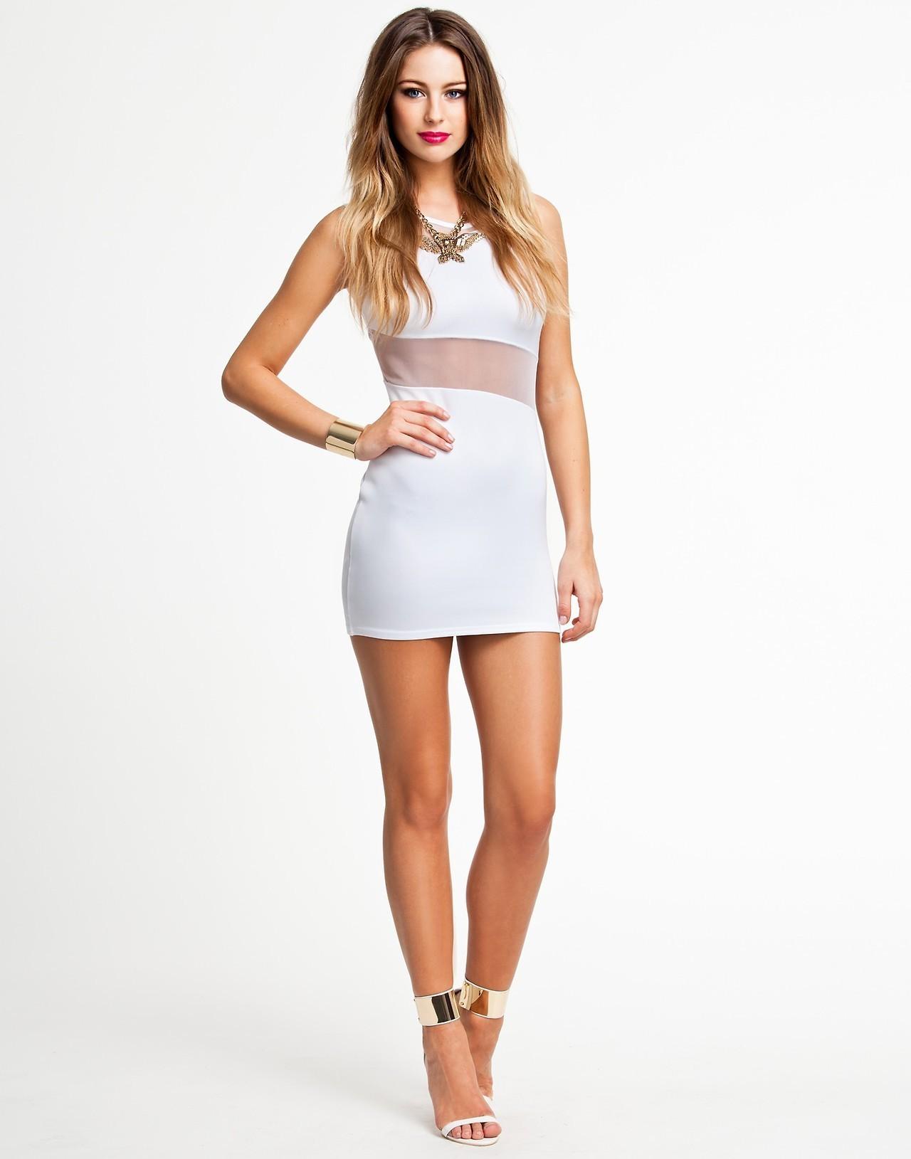 Hintergrundbilder : blond, weißes Kleid, weißer Hintergrund, Muster ...