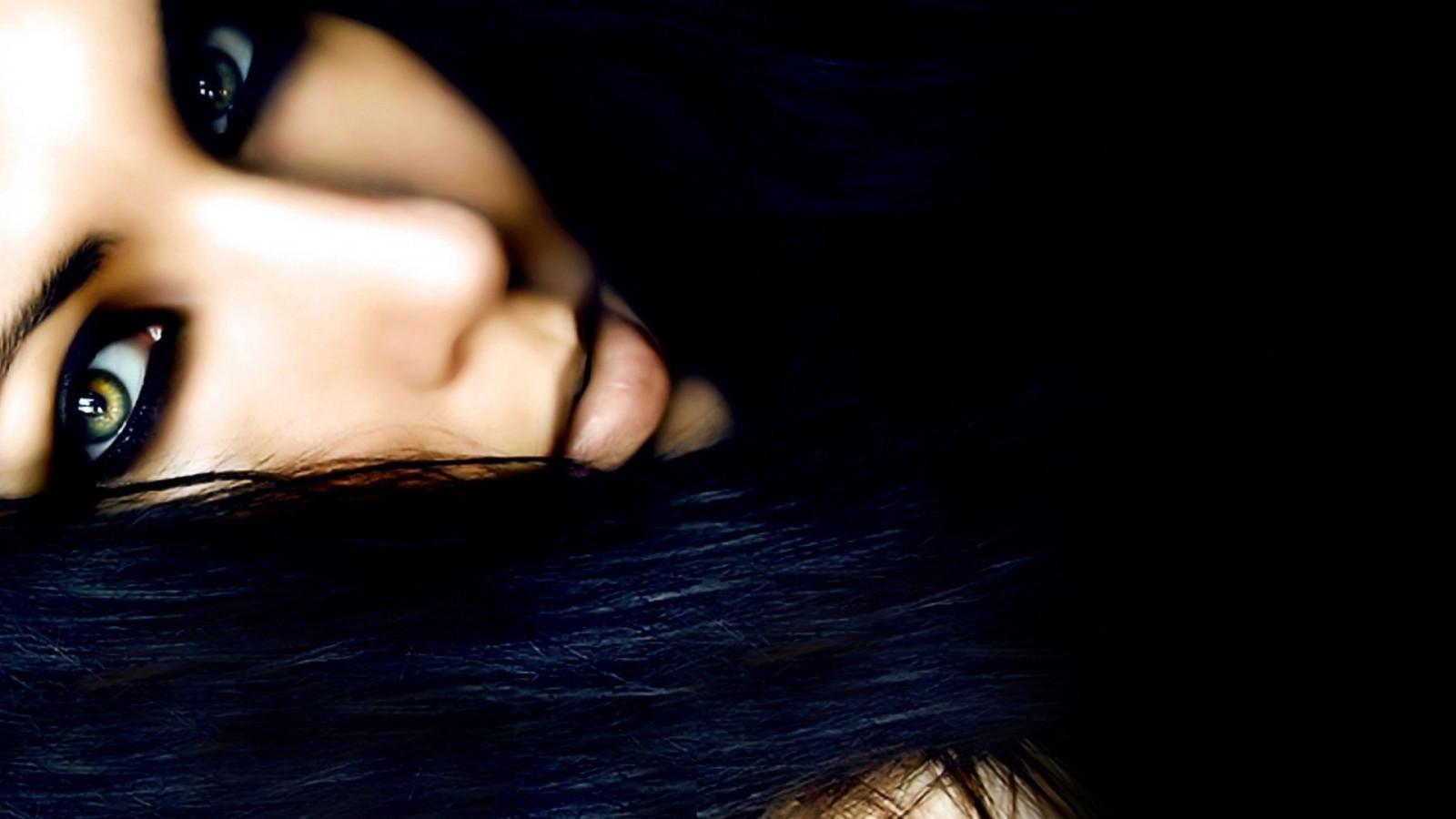 Фото красивых девушек брюнеток без лица на аву в вк