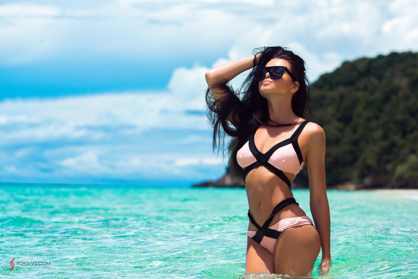 гулливер, красивые девушки фото в очках солнечных топлесс анна, все