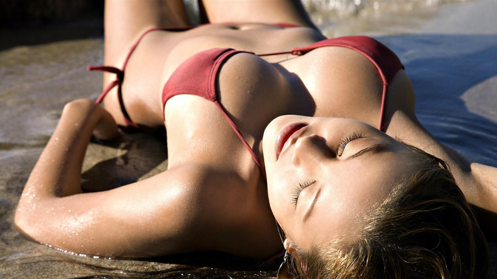 bikini-kat-of-d-sex