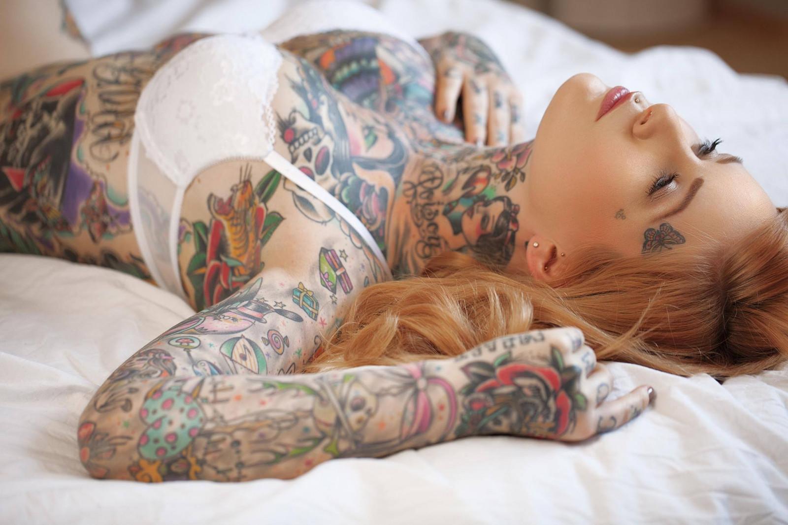 Девушки с татуировками в интимных местах фото у девушек