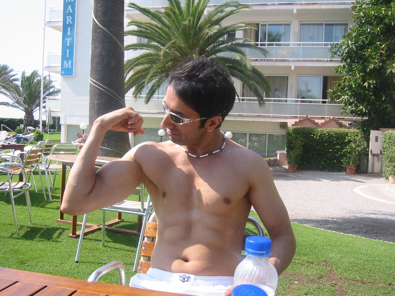 Nackt gay am strand männer Strand