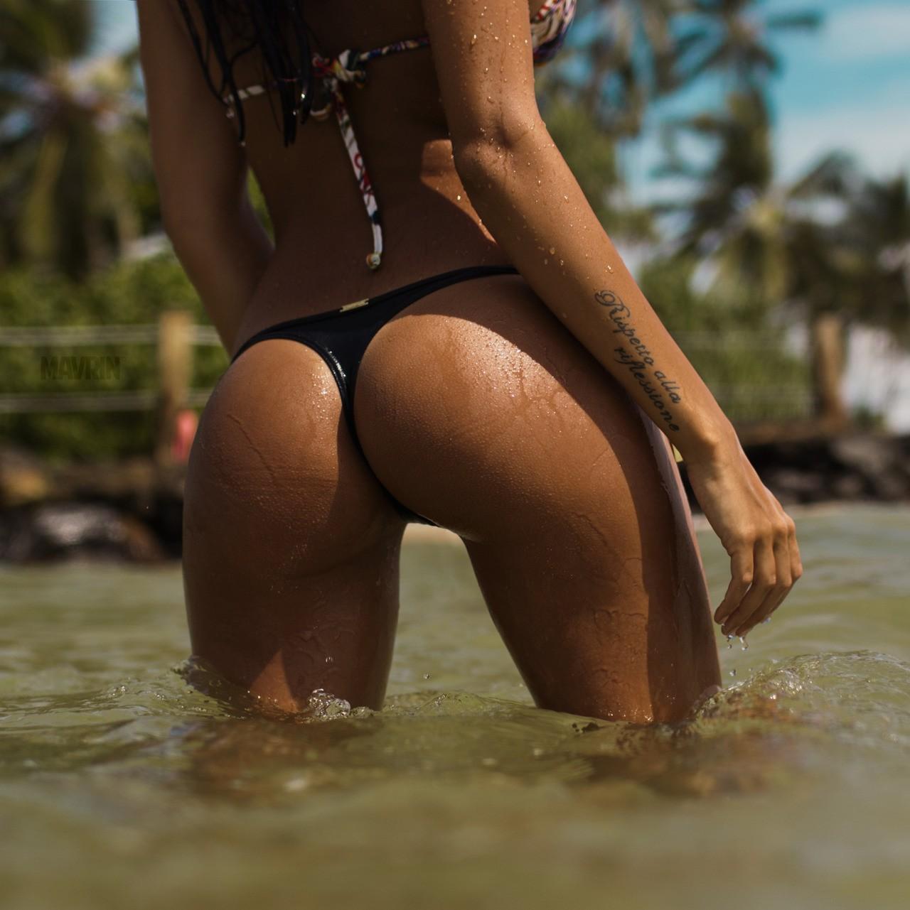 красивые попки на пляже в бикини