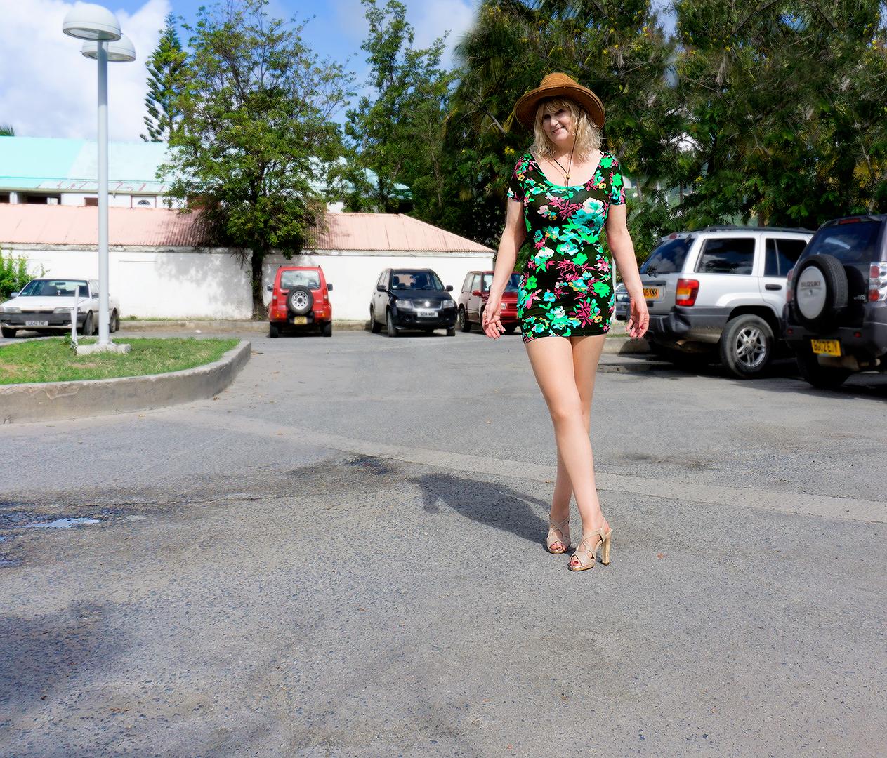wallpaper blonde street car minidress legs shorts. Black Bedroom Furniture Sets. Home Design Ideas