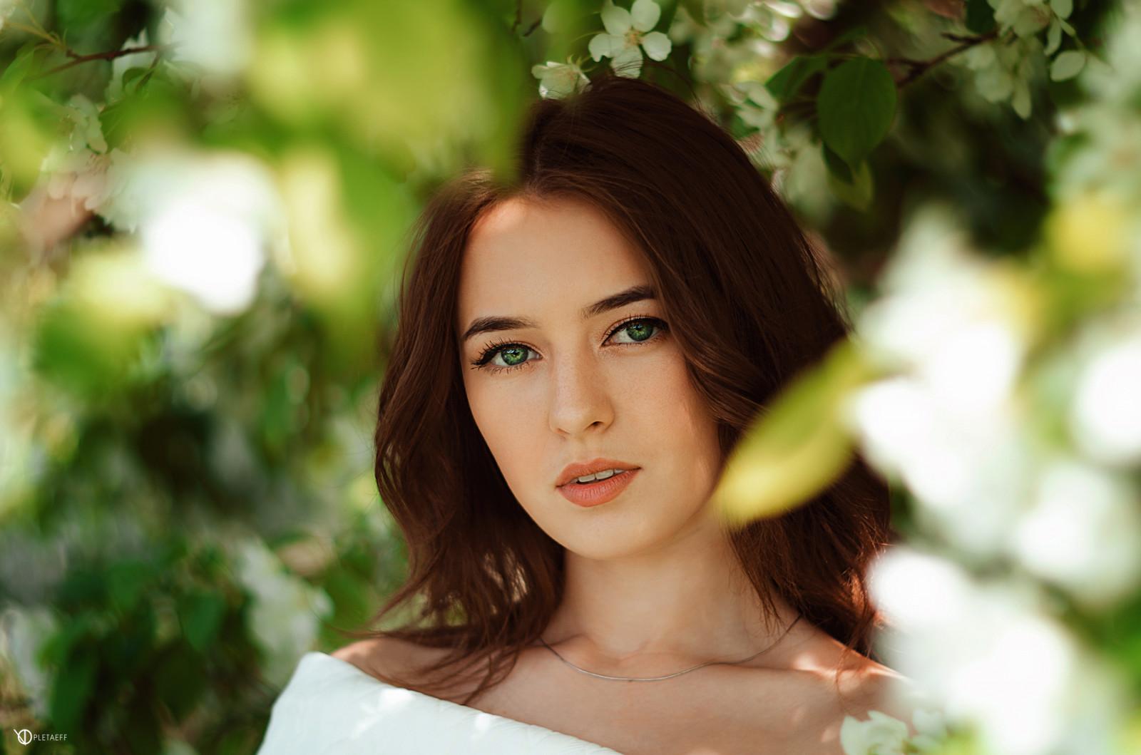 Kate Barry - Portraits | Kate barry, Portrait, Isabelle adjani