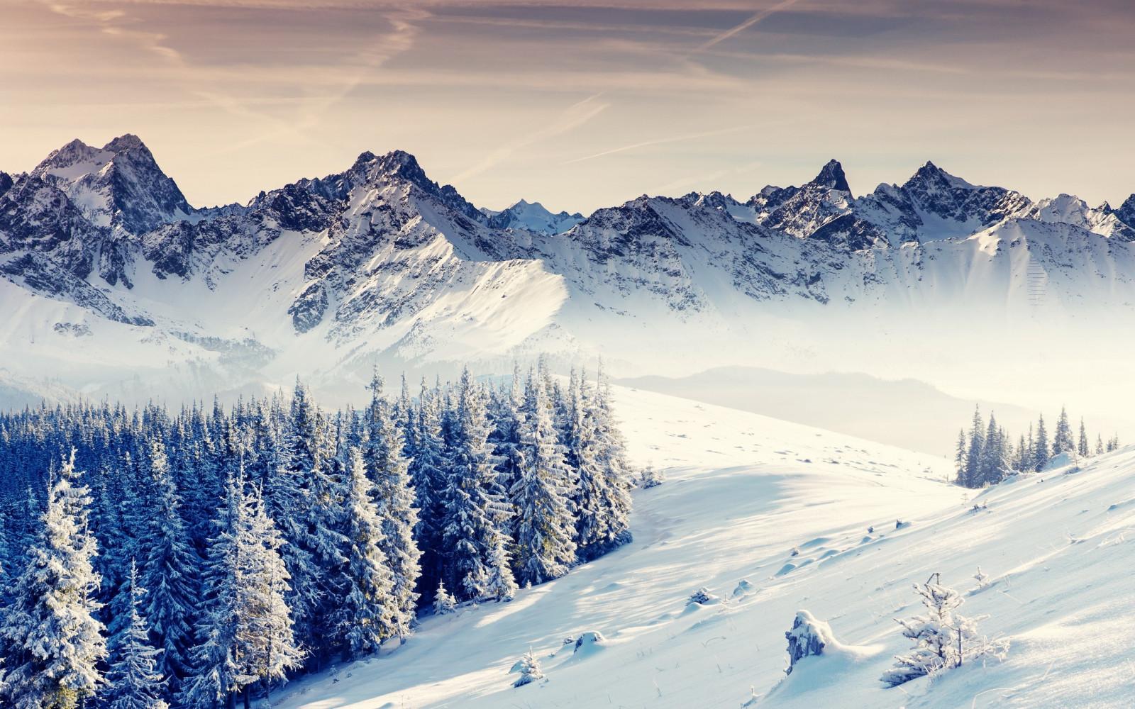 Sfondi paesaggio montagne natura la neve inverno for Immagini inverno sfondi