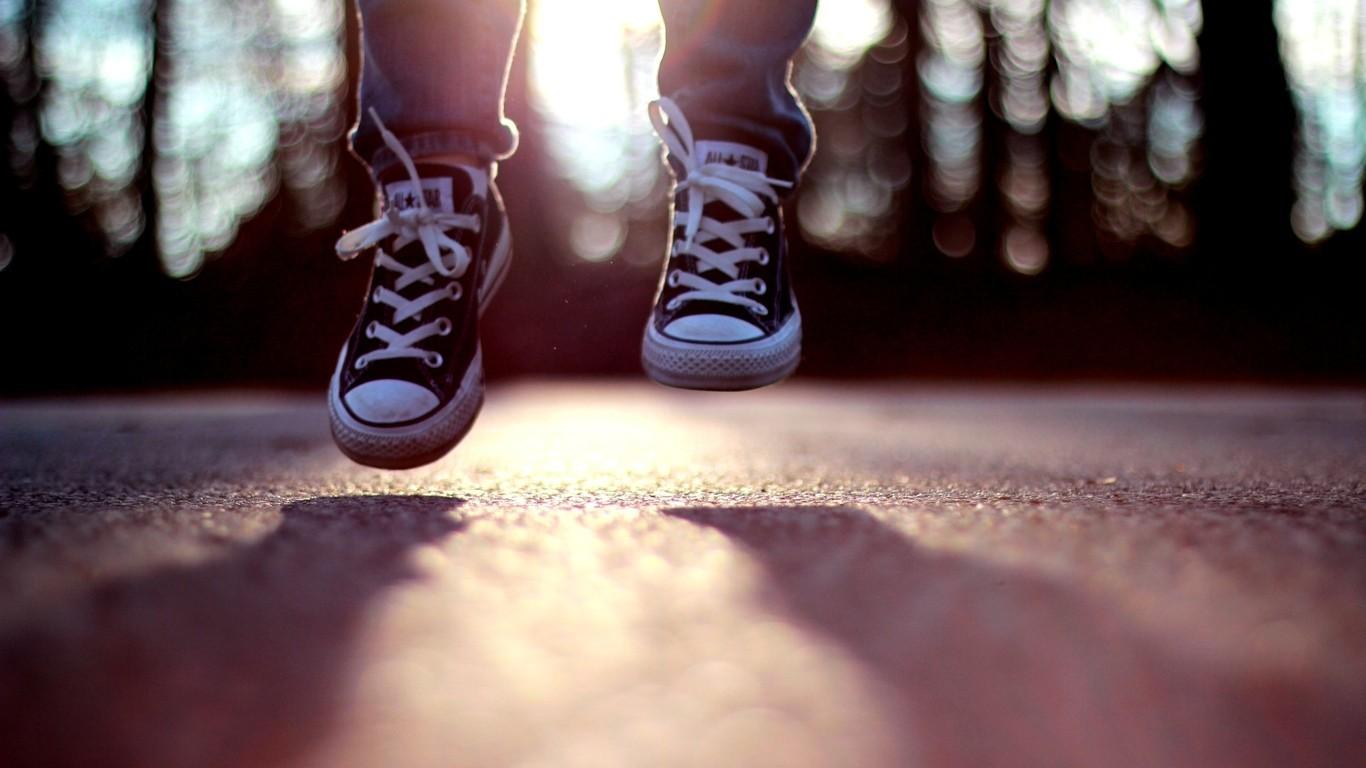 Hình nền : trắng, đen, Đỏ, thời trang, ngược, Cảm xúc, Mùa xuân, màu, sắc đẹp, vẻ đẹp, ngón tay, Chân, ảnh chụp, Hình ảnh, Giày, giày dép, cơ thể con người, ...