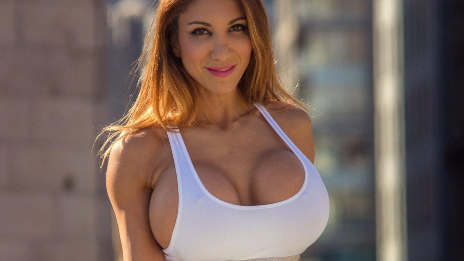 Смотреть фото с большими грудями